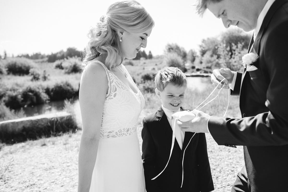 Judith-Martin_Hochzeitsreportage_Frau-Kneidinger-HochzeitsfotografinJudith-Martin_Hochzeitsreportage_Frau-Kneidinger-Hochzeitsfotografin