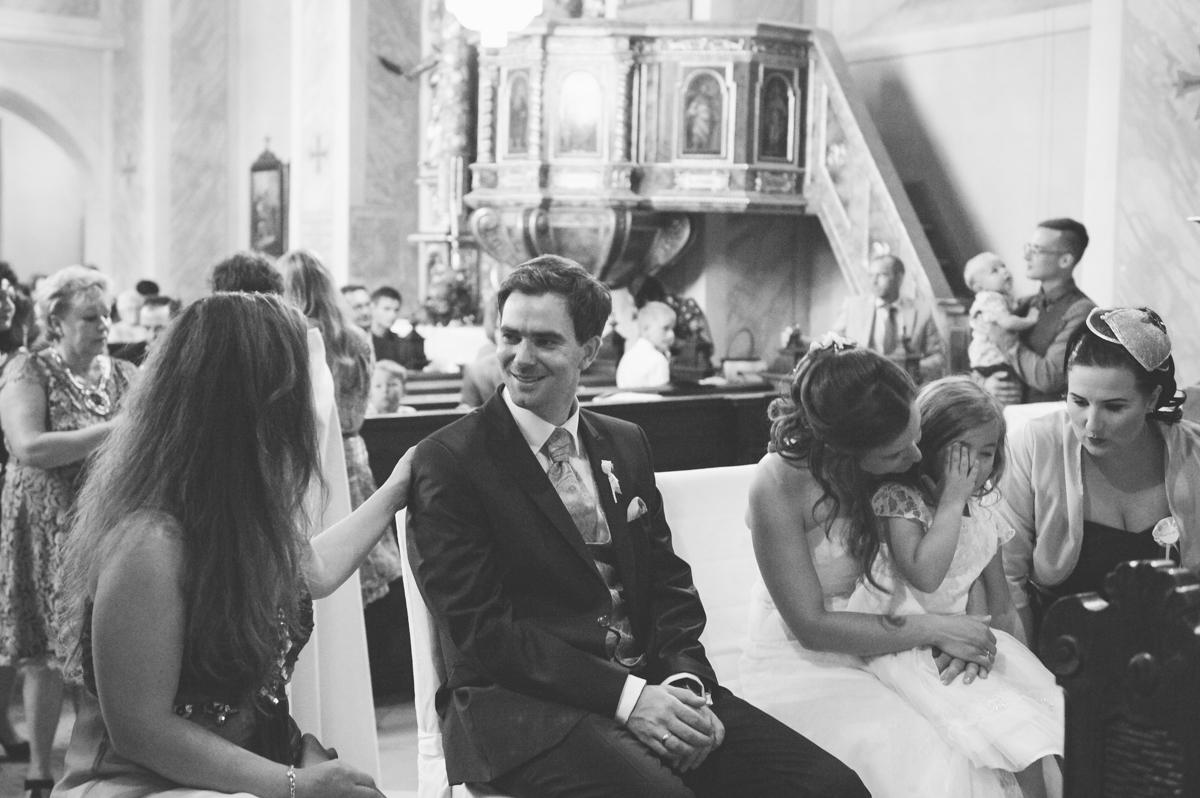 Stephanie-Dieter-Hochzeitsreportage_Frau-Kneidinger-Hochzeitsfotografin